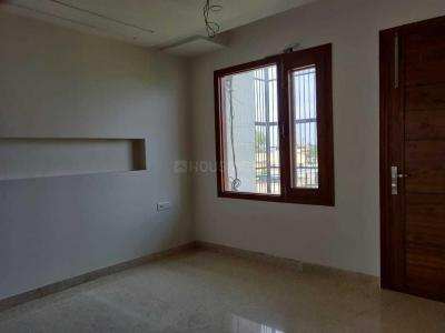 Gallery Cover Image of 1530 Sq.ft 3 BHK Independent Floor for buy in Paschim Vihar for 22500000