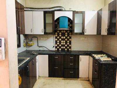 Gallery Cover Image of 800 Sq.ft 2 BHK Apartment for rent in Gyan Khand for 11000