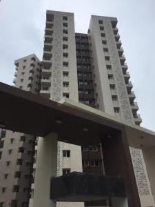 Gallery Cover Image of 1350 Sq.ft 2 BHK Apartment for rent in Adani Elysium, Khodiyar for 15000