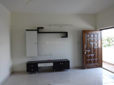 Gallery Cover Image of 1350 Sq.ft 2 BHK Apartment for rent in Karkhana for 19500