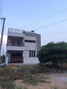 Gallery Cover Image of 2500 Sq.ft 3 BHK Independent House for buy in Battarahalli for 12500000