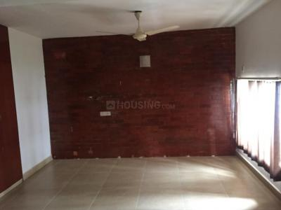 Gallery Cover Image of 1000 Sq.ft 2 BHK Apartment for rent in Choolaimedu for 21000