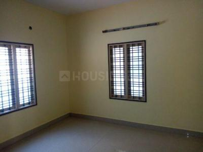 Gallery Cover Image of 1000 Sq.ft 2 BHK Apartment for rent in Chromepet for 12000