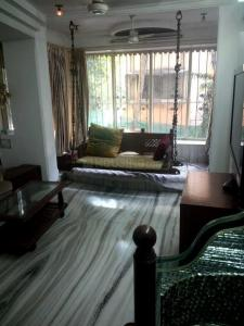 Gallery Cover Image of 1000 Sq.ft 2 BHK Apartment for buy in Juhu for 36000000
