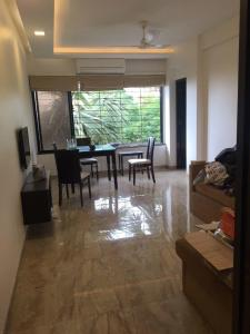 Gallery Cover Image of 1000 Sq.ft 2 BHK Apartment for rent in Bandra West for 87000