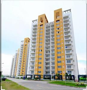 Gallery Cover Image of 2335 Sq.ft 3 BHK Apartment for buy in Park Grandeura, Sector 82 for 9000000