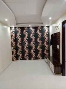 Gallery Cover Image of 720 Sq.ft 3 BHK Independent Floor for buy in Dwarka Mor for 3450000