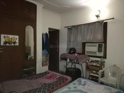 Bedroom Image of PG 4035605 Sarita Vihar in Sarita Vihar