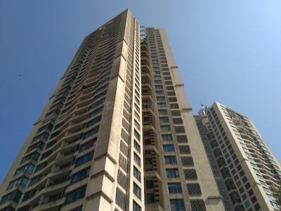 Gallery Cover Image of 1200 Sq.ft 3 BHK Apartment for rent in Goregaon East for 80000