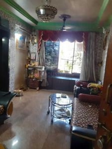 Gallery Cover Image of 575 Sq.ft 1 BHK Apartment for rent in Vasant Smruthi Buildings, Borivali East for 20000