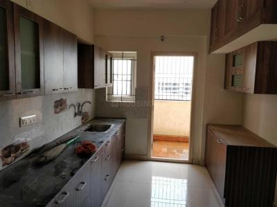 Gallery Cover Image of 1500 Sq.ft 3 BHK Apartment for rent in EAPL Sri Tirumala Sarovar, Singasandra for 22000