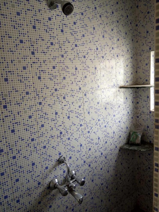 Common Bathroom Image of 450 Sq.ft 1 RK Apartment for rent in Karve Nagar for 8000