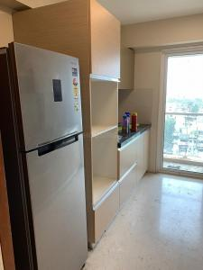 Gallery Cover Image of 1425 Sq.ft 3 BHK Apartment for rent in Santacruz West for 110000