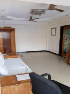 Gallery Cover Image of 1050 Sq.ft 2 BHK Apartment for rent in Prabhadevi for 75000