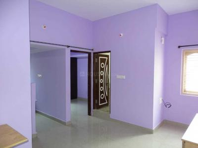 Gallery Cover Image of 350 Sq.ft 1 BHK Apartment for rent in Domlur Layout for 10000