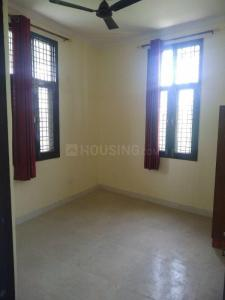 Gallery Cover Image of 1600 Sq.ft 3 BHK Apartment for rent in Sector 54 for 36000