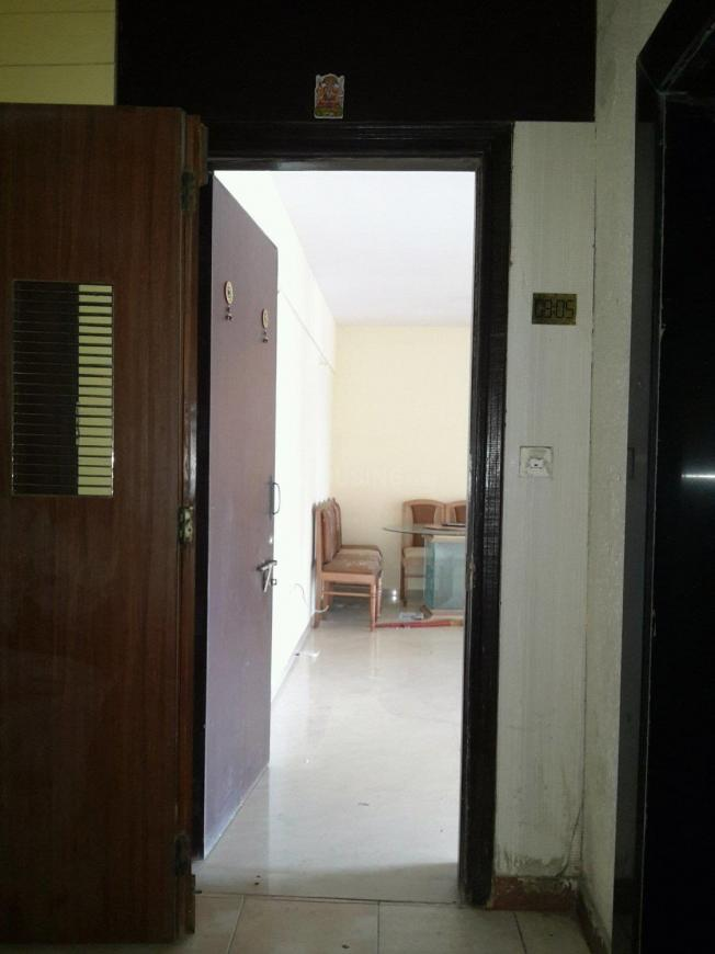 Main Entrance Image of 1100 Sq.ft 2 BHK Apartment for buy in Malad West for 19000000