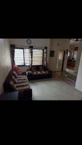 Gallery Cover Image of 900 Sq.ft 2 BHK Apartment for buy in Hari Om Park, Thaltej for 4500000