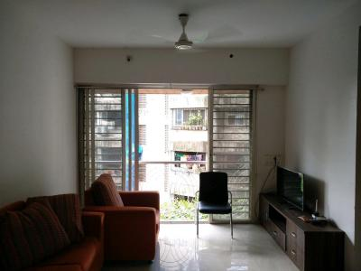 Gallery Cover Image of 925 Sq.ft 2 BHK Apartment for buy in Santacruz East for 21000000