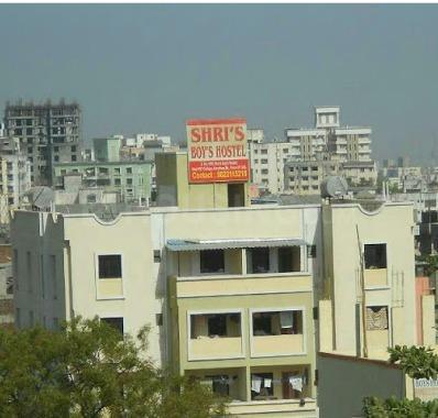 दल्लुपुरा में श्री बॉइज़ होस्टल में बिल्डिंग की तस्वीर