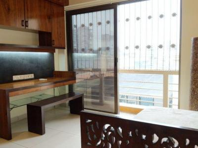 Gallery Cover Image of 2800 Sq.ft 3 BHK Apartment for rent in Khar West for 220000