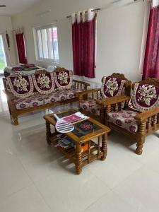 Gallery Cover Image of 3800 Sq.ft 4 BHK Villa for rent in Suchir Timberleaf, Shamshabad for 55000
