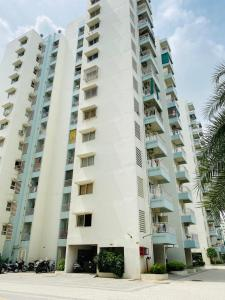 Gallery Cover Image of 1260 Sq.ft 2 BHK Apartment for rent in Godrej Garden City, Chandkheda for 12000