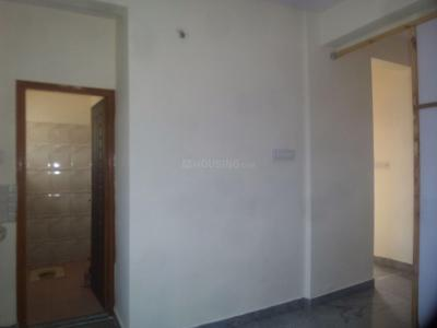 Gallery Cover Image of 400 Sq.ft 1 RK Apartment for rent in Hullahalli for 4000