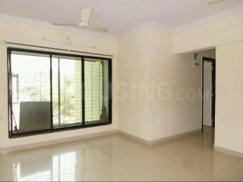 Gallery Cover Image of 580 Sq.ft 1 BHK Apartment for rent in Kandivali East for 23000