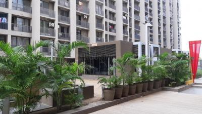 Gallery Cover Image of 1140 Sq.ft 2 BHK Apartment for rent in Shela for 16000