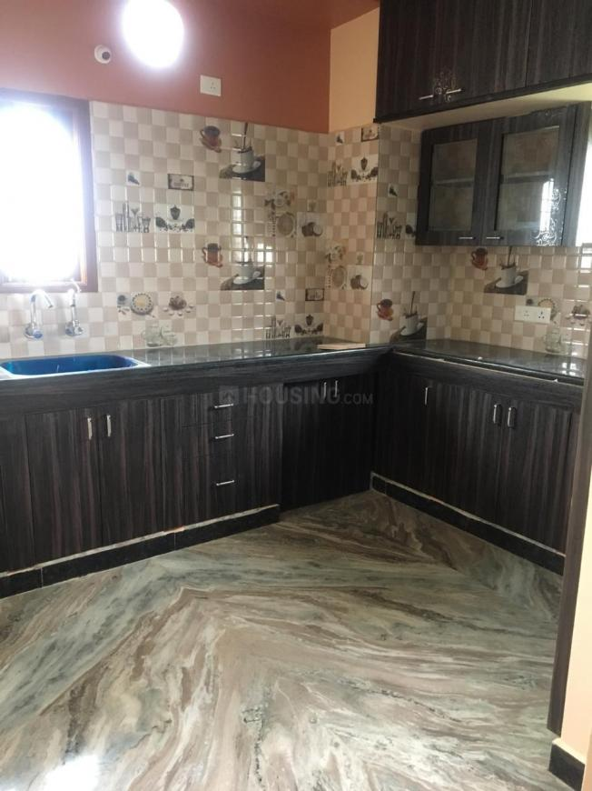 Kitchen Image of 1600 Sq.ft 2 BHK Apartment for rent in Selaiyur for 700000