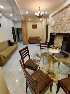Gallery Cover Image of 800 Sq.ft 2 BHK Apartment for rent in Fatima Villa, Bandra West for 75000