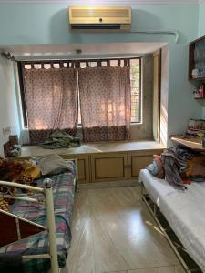 Gallery Cover Image of 650 Sq.ft 1 BHK Apartment for rent in Vile Parle West for 42000