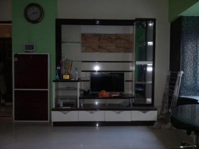 Gallery Cover Image of 625 Sq.ft 1 BHK Apartment for rent in Kandivali East for 24000
