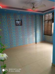 Gallery Cover Image of 550 Sq.ft 1 BHK Independent Floor for rent in Sant Nagar for 1550