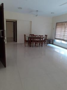 Gallery Cover Image of 1600 Sq.ft 3 BHK Apartment for rent in Red Stone Redstone Tuscany, Khar West for 90000