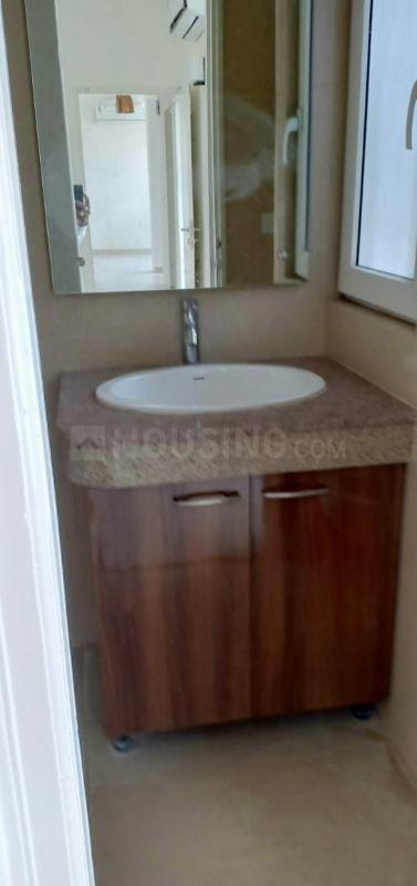 Common Bathroom Image of 1000 Sq.ft 2 BHK Apartment for rent in Sector 65 for 25000
