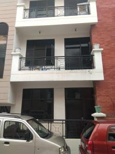 Gallery Cover Image of 900 Sq.ft 2 BHK Independent Floor for buy in Baroli Ahir for 2000000