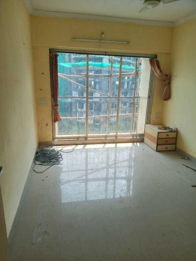 Living Room Image of 1200 Sq.ft 3 BHK Apartment for rent in Nalasopara East for 45000