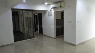 Gallery Cover Image of 2450 Sq.ft 4 BHK Apartment for rent in Santacruz West for 150000