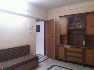 Gallery Cover Image of 600 Sq.ft 1 BHK Apartment for rent in Kandivali East for 19000