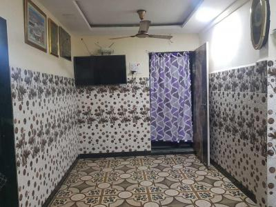 Gallery Cover Image of 450 Sq.ft 1 BHK Independent Floor for buy in Kurla West for 3800000