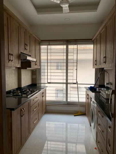 Kitchen Image of 900 Sq.ft 2 BHK Apartment for rent in Khar West for 130000