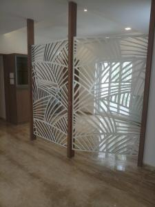 Gallery Cover Image of 2600 Sq.ft 3 BHK Apartment for rent in Gopalapuram for 90000