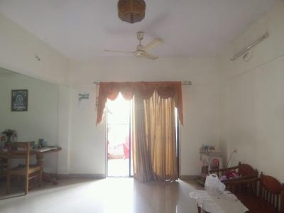 Gallery Cover Image of 995 Sq.ft 2 BHK Apartment for rent in Cosmos, Magarpatta City for 20000