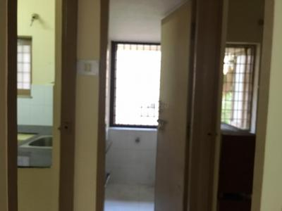 Gallery Cover Image of 1200 Sq.ft 3 BHK Independent Floor for rent in Velachery for 20000