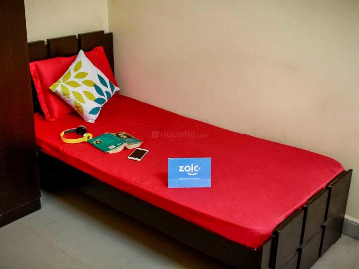 बीटीएम लेआउट में ज़ोलो रिवेंडेल के बेडरूम की तस्वीर