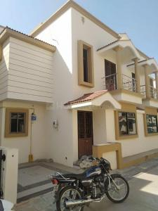 Gallery Cover Image of 1350 Sq.ft 3 BHK Independent House for rent in Ganesh Colony for 10000
