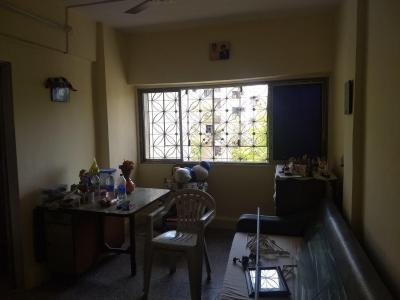 Gallery Cover Image of 450 Sq.ft 1 BHK Apartment for buy in Malad West for 6500000