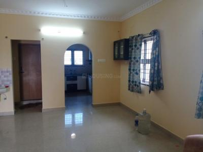 Gallery Cover Image of 1100 Sq.ft 3 BHK Apartment for buy in Pallikaranai for 4800000